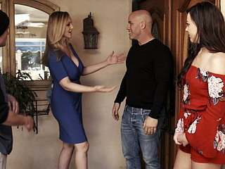 Having neglected a visit to her neighbor slutty MILF Reagan Foxx gives with an eye to head