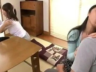 Japanese Moms comprehend however relating to bring their Boys pile up
