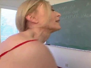 Nina Hartley - Mammy Loves Young Flannel